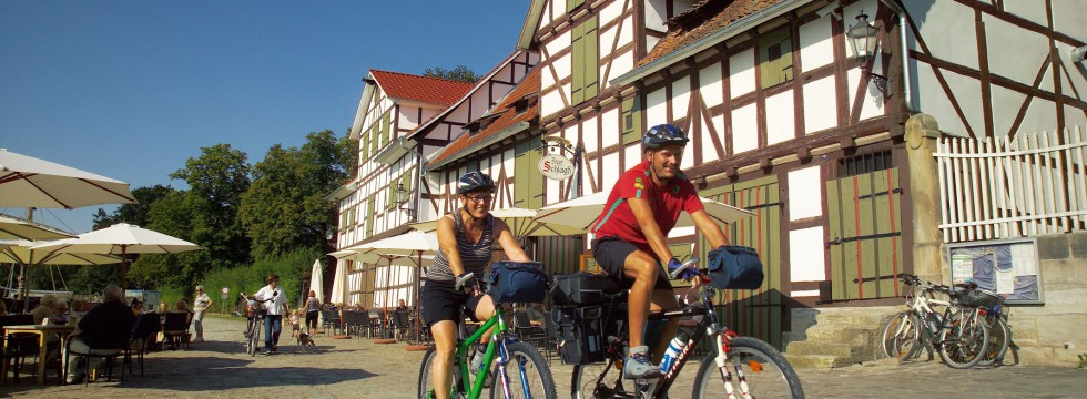 Radfahrer in Wanfried am Werratal-Radweg